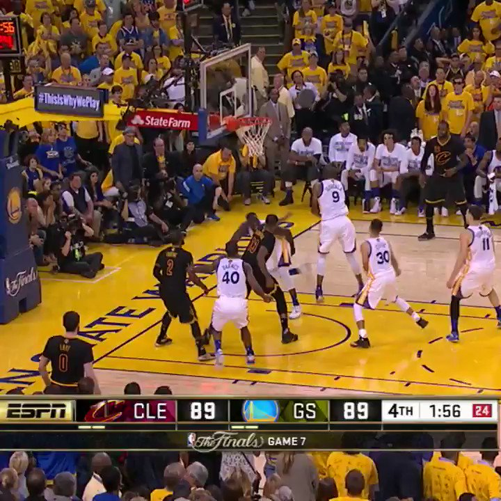 Deixando TUDO em quadra! 😤   Na NBA não falta disposição e entrega. Qual foi a jogada mais INCRÍVEL?  https://t.co/4LCI9ikWqq