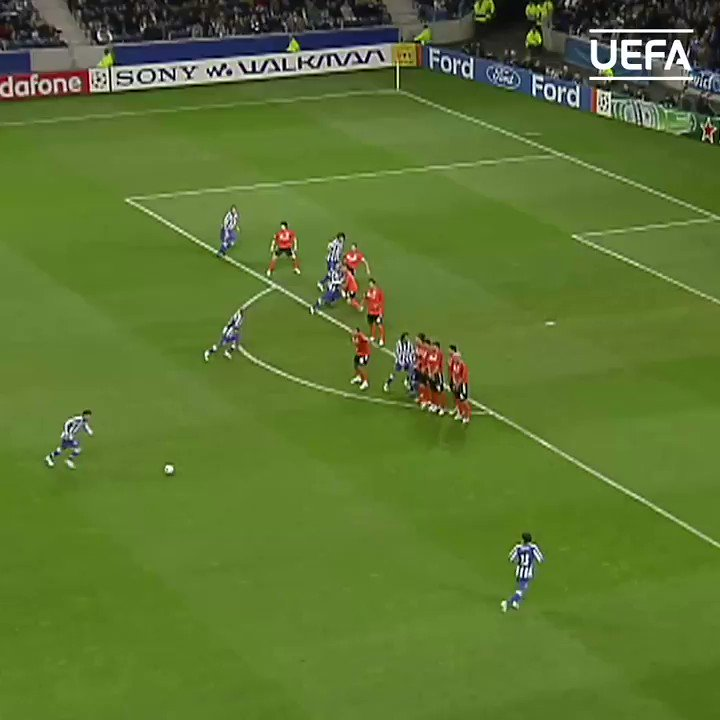 🚫 This 2008 Manuel Neuer save = _______  #UCL | @Manuel_Neuer https://t.co/tWRQ4turS3