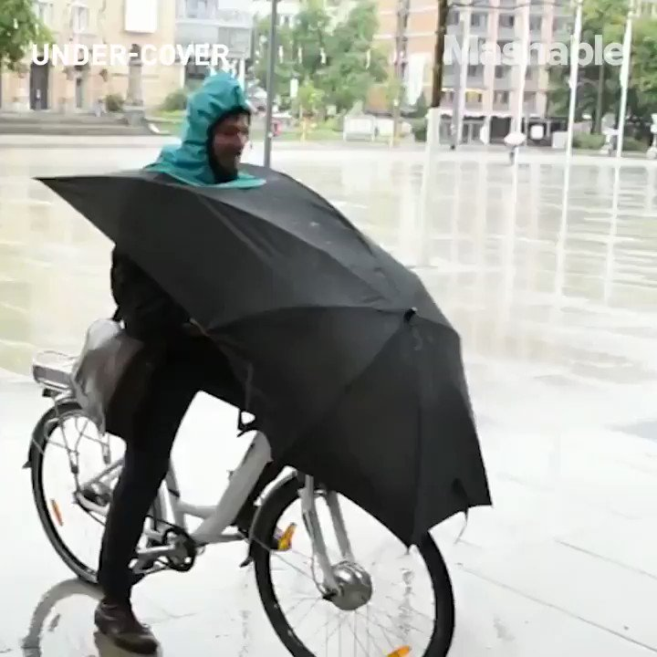 This bike umbrella sure is...interesting https://t.co/HCE3Xy6OZ0