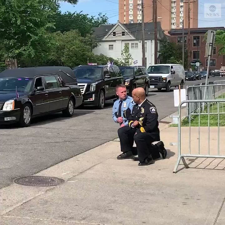 Minneapolis Police Chief Medaria Arradondo and Sgt. Dave OConnor kneel as George Floyds hearse arrived at his memorial. abcn.ws/3cyiOQe