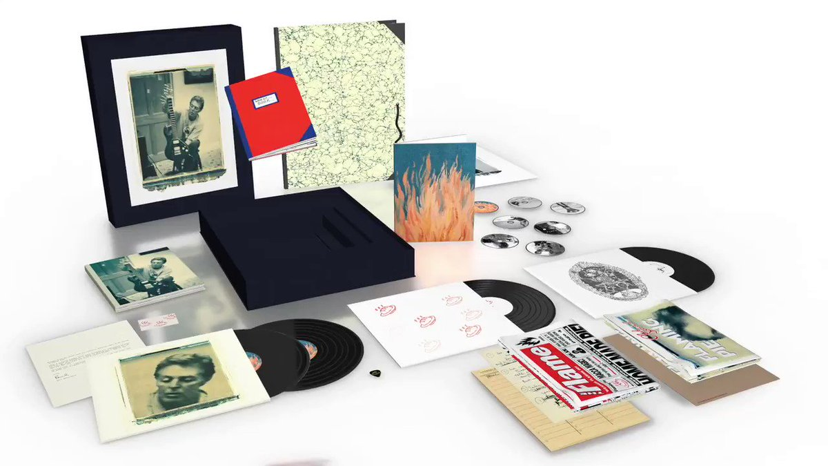 What are the ingredients that make up the Paul McCartney #FlamingPie Collectors Edition?🔥🥧 Mix 4 LPs, 5 CDs, 2 DVDs, add a sprinkle of art prints and a few more secrets... Serve in a collectors box, and enjoy on July 31. Pre-order yours here: mpl.pm/FPCollectors