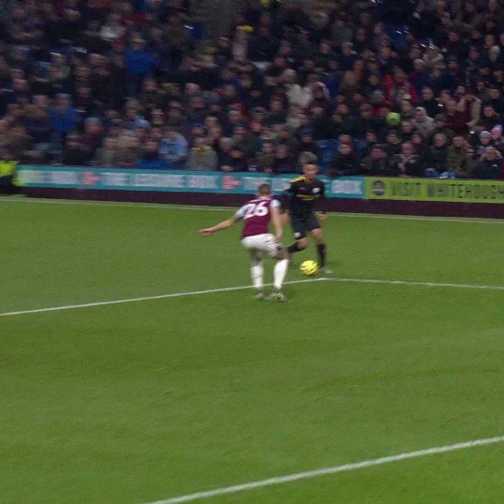 "⚽️ #GoalOfTheDay 🔥  👕 @GabrielJesus9  🆚 @BurnleyOfficial  ""A 𝙎𝙐𝘽𝙇𝙄𝙈𝙀 FINISH!""  #OnThisDay   #ManCity   #MCFC"