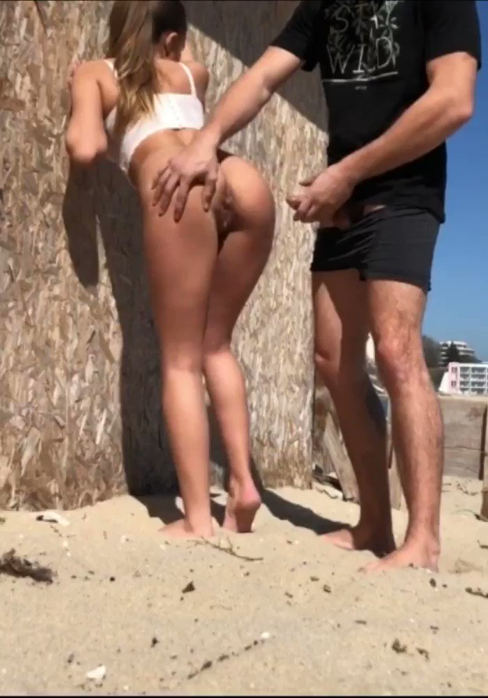 Altunizade escort bayan plajda veriyor adama ifsa video