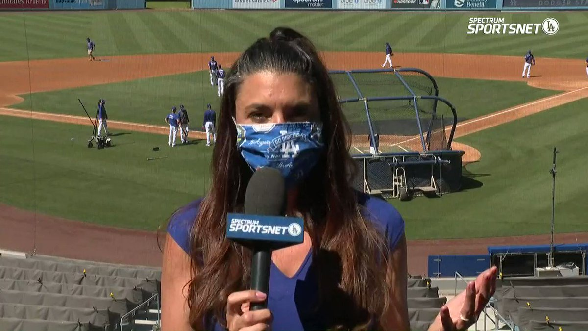 .@alannarizzo provides an update on the latest happenings for the first official #Dodgers workout.