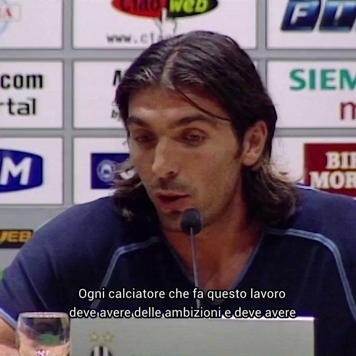 Un'intervista... lunga 648 partite! 😍🎙 @gianluigibuffon #648UFFON https://t.co/uGtrtoH15v