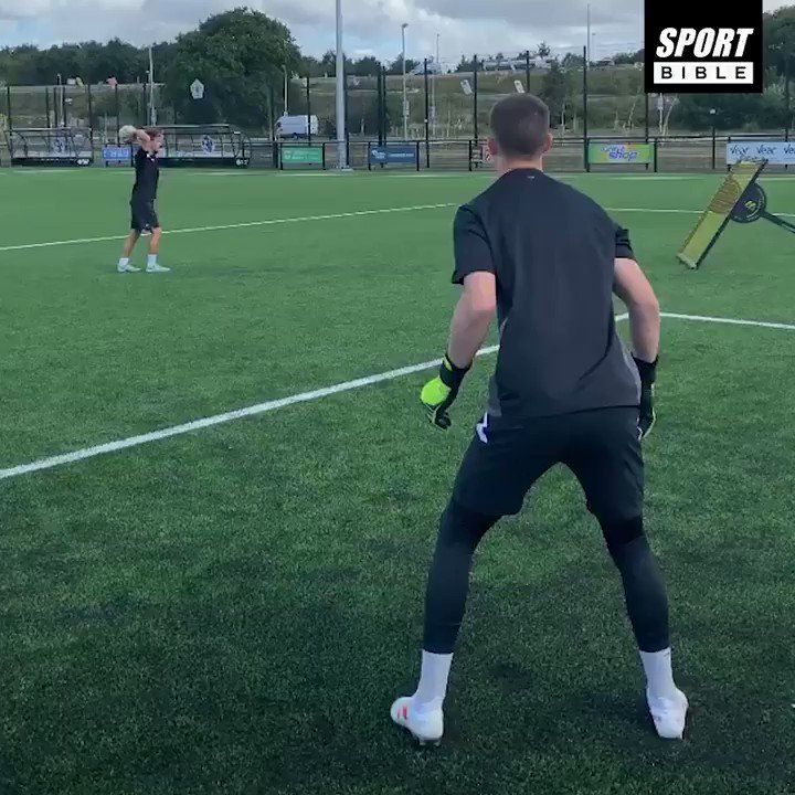 The grind never stops when youre a goalkeeper... 💪🔥💯 📹 IG: ideal_gk