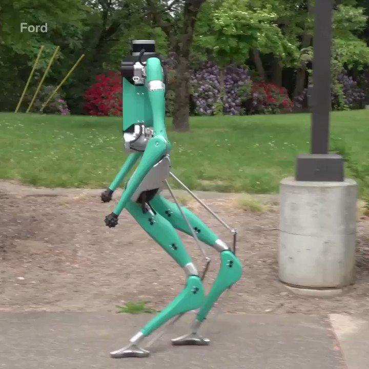 🤖  Meet Digit, Ford's delivery robot to create autonomous deliveries  Via @techinsider  #robotics #innovation https://t.co/EW5pZ1ce7V