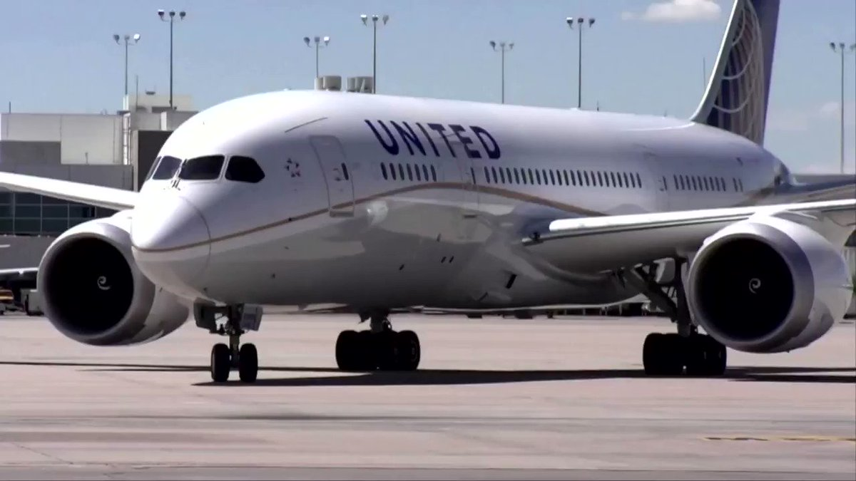 United Airlines is preparing to send 'gut punch' potential furlough warnings to its 36,000 U.S.-based workers https://t.co/p6vLSilBcY https://t.co/VsuFST5RwT