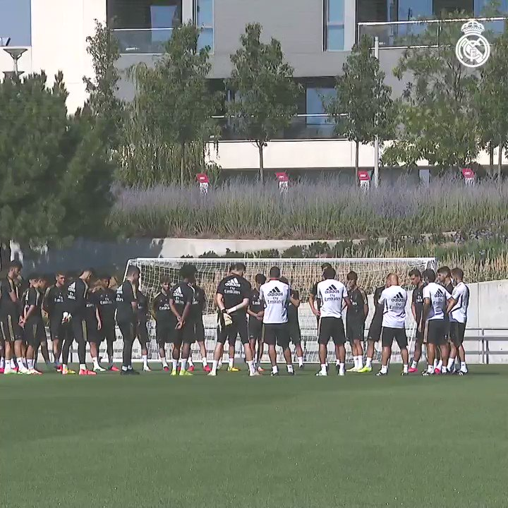 ⚽💪 ¡No paramos! ¡Seguimos preparando la UEFA Youth League!  🌱 #LaFabrica | #HalaMadrid https://t.co/ZNlszQeYnI