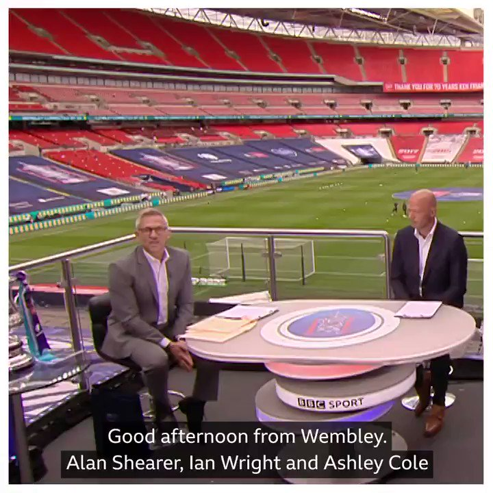 A great day for Alan Shearer! He finally got his hands on the #FACup. Sort of. 😉