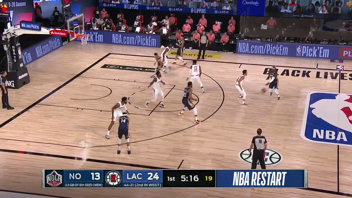Mark Jackson highlights @MooreMaya's work as an activist during the Pelicans-Clippers broadcast 🔊 https://t.co/kg6iBgRaQy