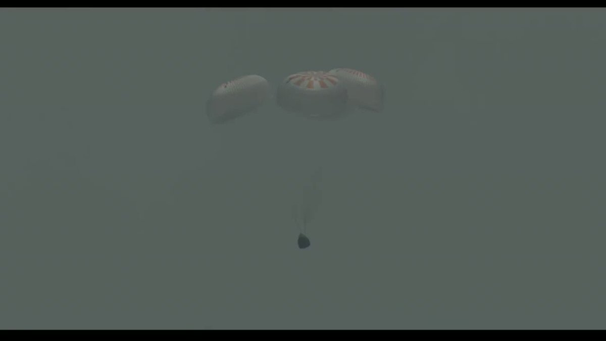 Good splashdown of Dragon confirmed! Welcome back to Earth, @AstroBehnken and @Astro_Doug! https://t.co/0vAS3CcK9P