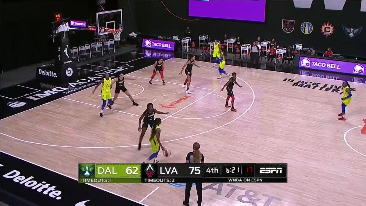 .@Arike_O makes it look too easy 🥶  #RISE  📺 ESPN2 https://t.co/nAyQUf0pB6
