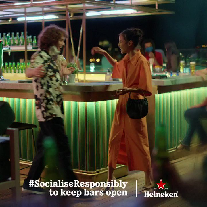 Hands for your beers, elbows for your friends. #SocialiseResponsibly to keep bars open. https://t.co/JCHXfVG6P1