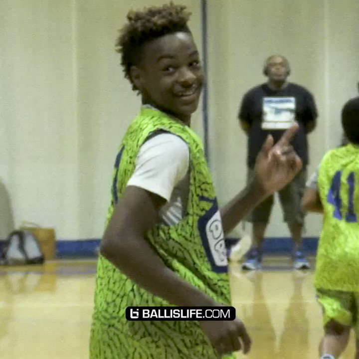 6th grade Bronny James putting in work!