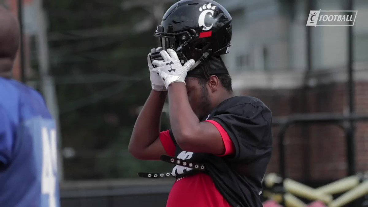 Defensive lineman @domounchy knows how to hustle through the end of a play. Meet the freshman from Germantown, Maryland.  #Bearcats https://t.co/zNj2kexbe4