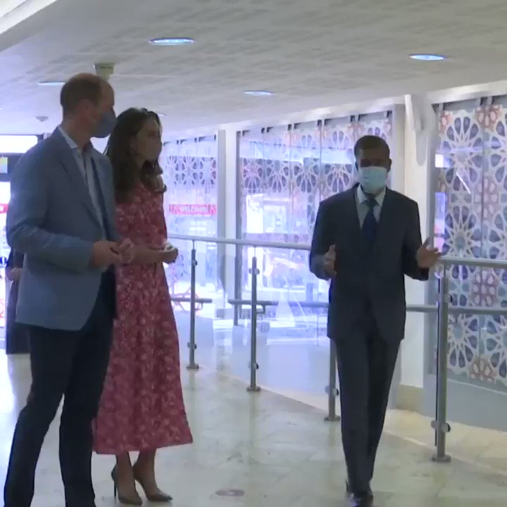 At the @elondonmosque, The Duke and Duchess of Cambridge learned how volunteers have supported members of their community during the pandemic by delivering warm meals and medication, and have provided befriending calls to the isolated, vulnerable and elderly.