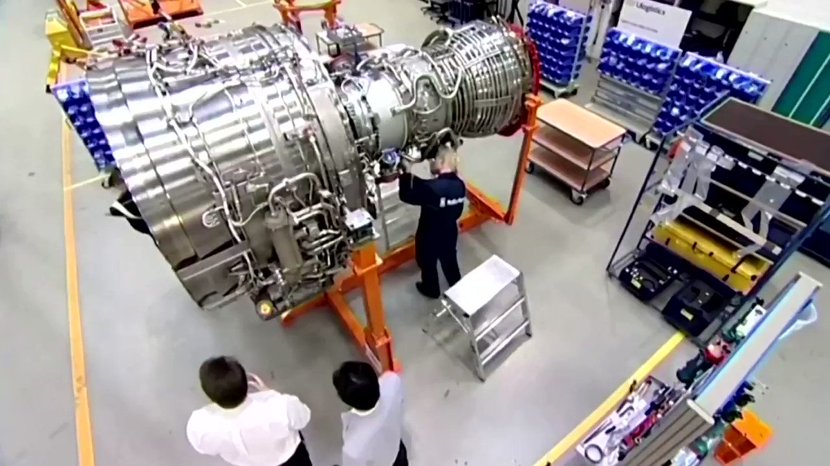 WATCH: Shares in Rolls-Royce sunk to their lowest level since 2004 after the British aero-engine company confirmed it was considering a rights issue of up to $3.23 billion https://t.co/3VenYQQpcd https://t.co/Nbj6Zdru39