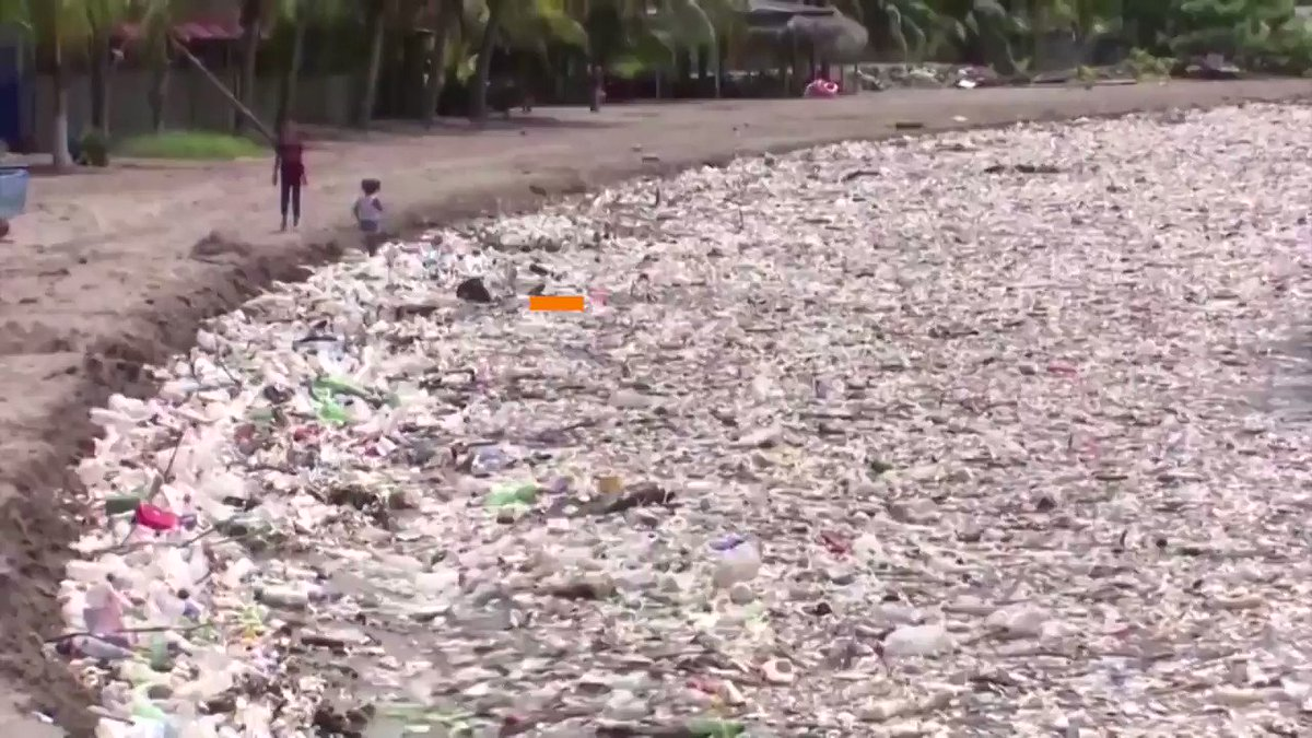 A massive wave of trash has washed up on the beaches in Honduras, leaving nightmare scenes of pristine tropical beaches blighted by piles of garbage https://t.co/05UGlpWHu6