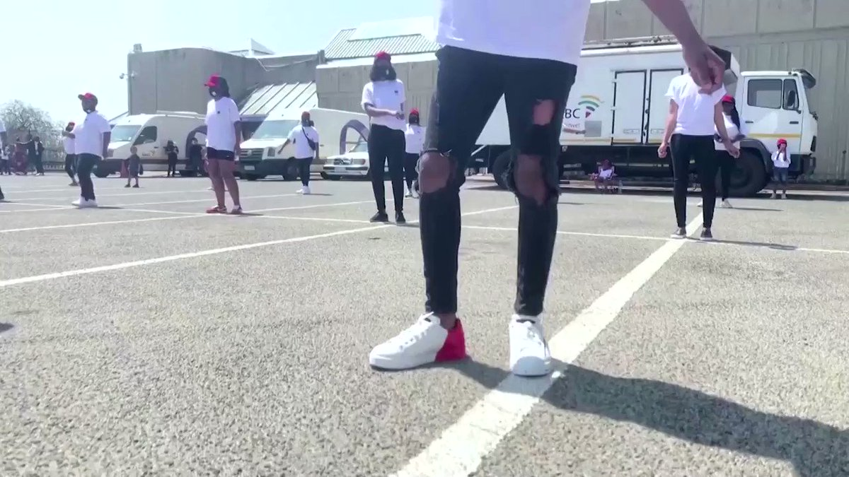 Thousands of people around the world, including priests, police, ministers and frontline workers, are dancing to South African house song 'Jerusalema' to shake off the blues https://t.co/FTfJrETAcL https://t.co/gFYhVyZ9Iy