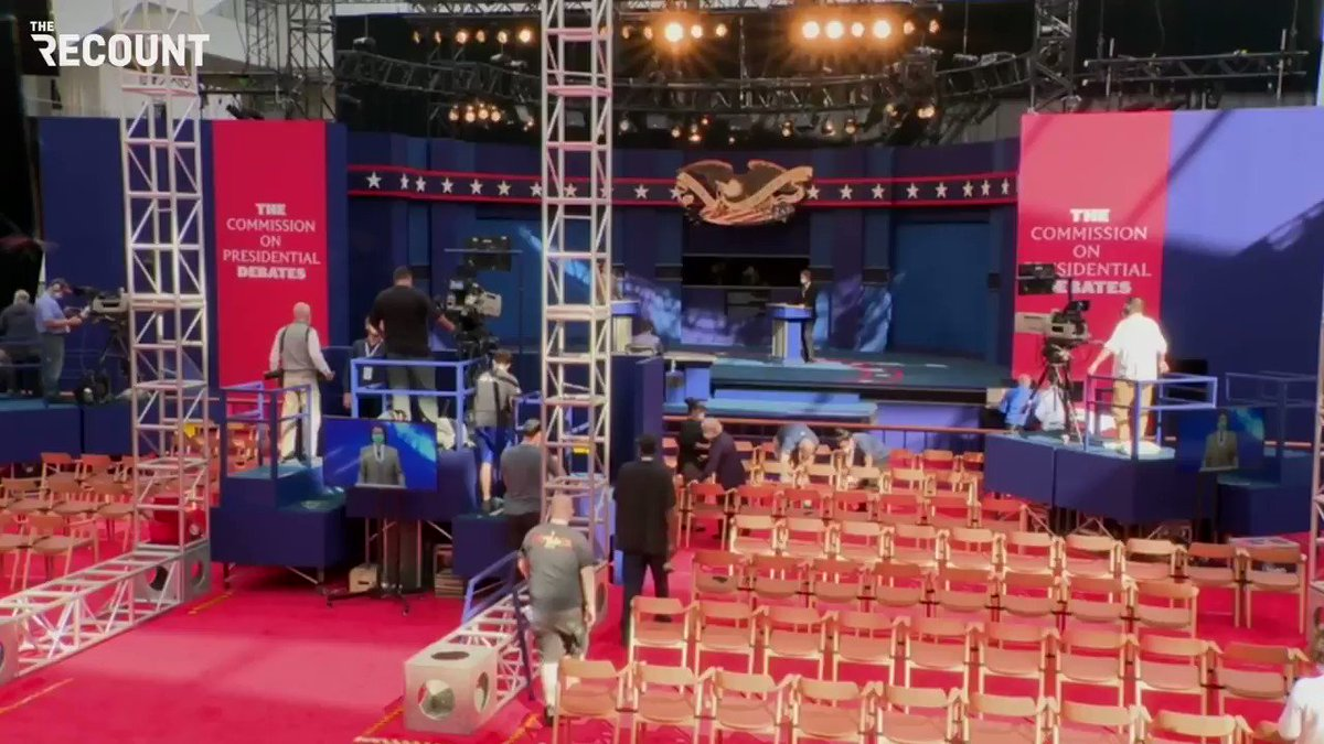 Important issues being raised during soundcheck for tomorrow's debate: Pineapple on pizza? https://t.co/mGkfwg4wKC