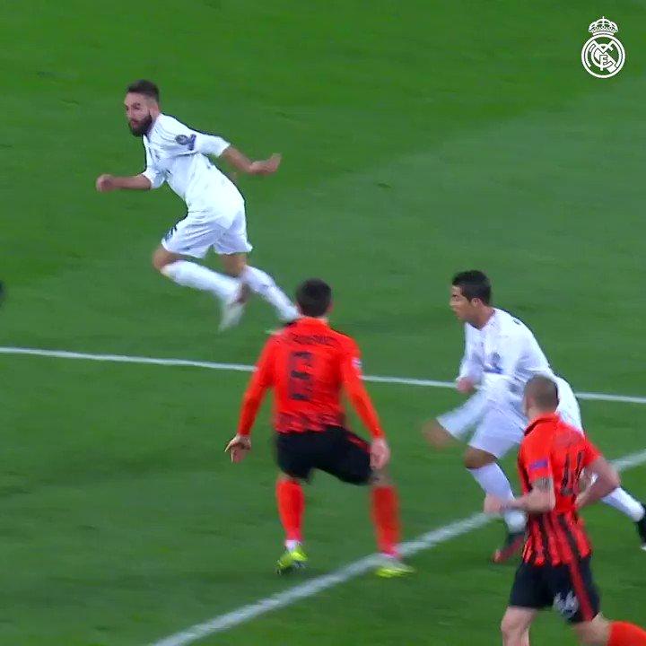 ☄ ¡¿Recordáis este golazo de @DaniCarvajal92 con la izquierda!? 🆚 @FCShakhtar ✨ @LigadeCampeones 🗓 2015/16 #RMUCL #HalaMadrid