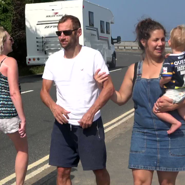 A @BBC documentary following @Rob7Burrow, former @leedsrhinos star, as he battles with MND, is scheduled to air on @BBCTwo on Monday at 7pm.   Rob Burrow: My Year with MND - follows Rob who has helped raise lots of awareness and money towards our fight.  🗓️ Save the date #MND https://t.co/8Eyu2JsaX2
