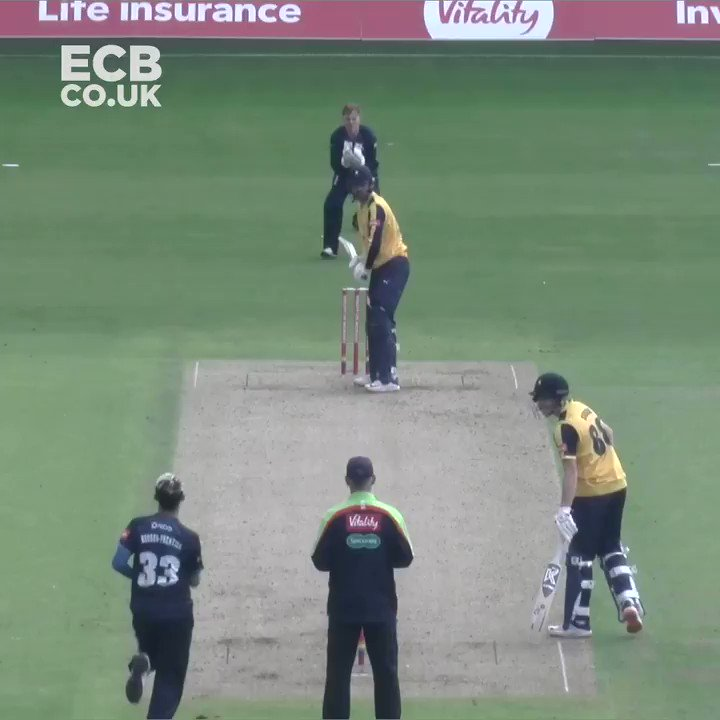 The shot at 0:25 🤯 Which of Will Fraines 1️⃣2️⃣ #Blast20 sixes is the best?