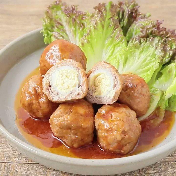 うずらの卵が丸ごと入った🥚『コロコロ うずらボウル』たくさん作っておもてなしにいかがでしょうか。とても簡単にお作りいただけますよ。お弁当のおかずにもピッタリの一品ですよ。▼レシピページはこちら#クラシル #クラシルメイン