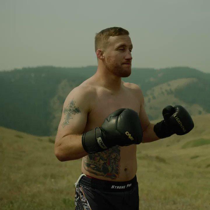 Thunder & Lightning 🌩  @Justin_Gaethje brings a storm to #UFCFightIsland  [ #UFC254 - LIVE on #ESPNPlus PPV: https://t.co/sO1r9pRZcP ] https://t.co/uBfx8yLRre