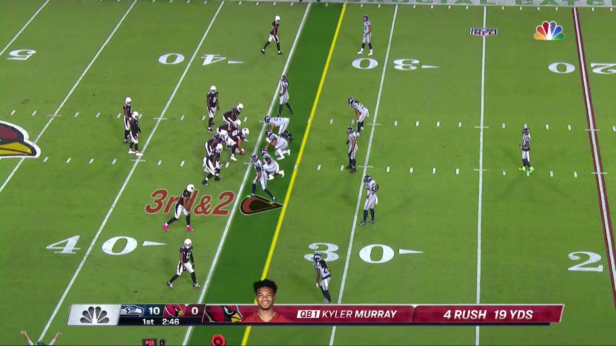 .@DeAndreHopkins just did THAT. #RedSea 📺: #SEAvsAZ on NBC 📱: NFL app // Yahoo Sports app: bit.ly/3js2ELC