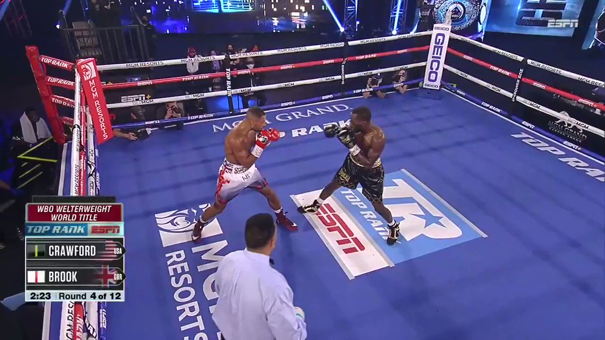 👊💥 Terence Crawford stuns Kell Brook with a big right hand here in round 4 and ends it quickly after.   Crawford is still the WBO welterweight champion!  🥊 Crawford now 37-0 💥 28 KOs  #CrawfordBrook   https://t.co/xcDmiStm0o