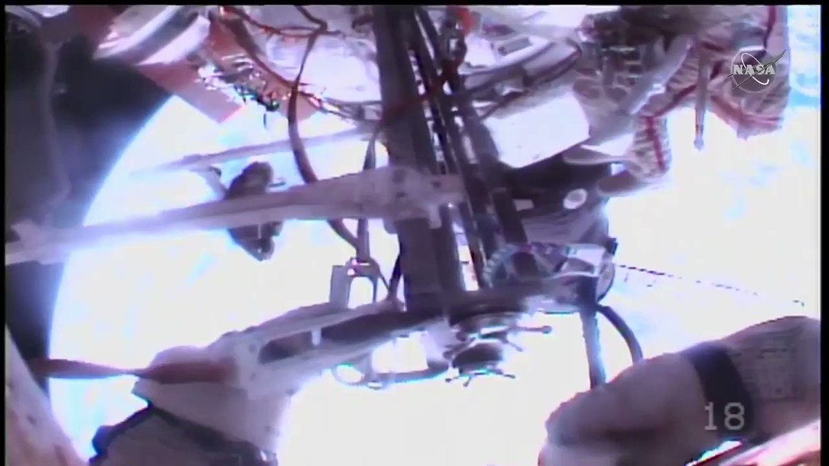 Spectacular views from Sergey Ryzhikov's helmet cam of @KudSverchkov working outside the station 250 miles above Earth! https://t.co/yuOTrZ4Jut https://t.co/ty5wCTrUj4