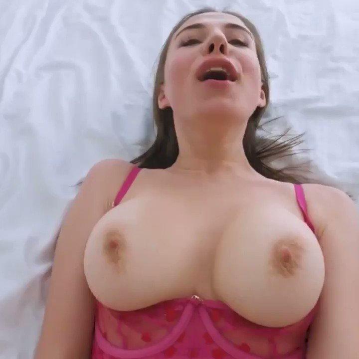 Ümraniye eskort kadın seksi iç çamaşırlarını çıkarmadan sikişiyor konuşmalar harika