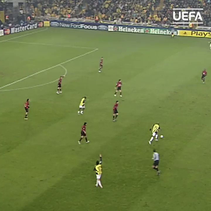 🔴⚫️ 15 years since AC Milan legend Andriy Shevchenko scored FOUR at Fenerbahçe 🤯  #UCL | @jksheva7 | @acmilan