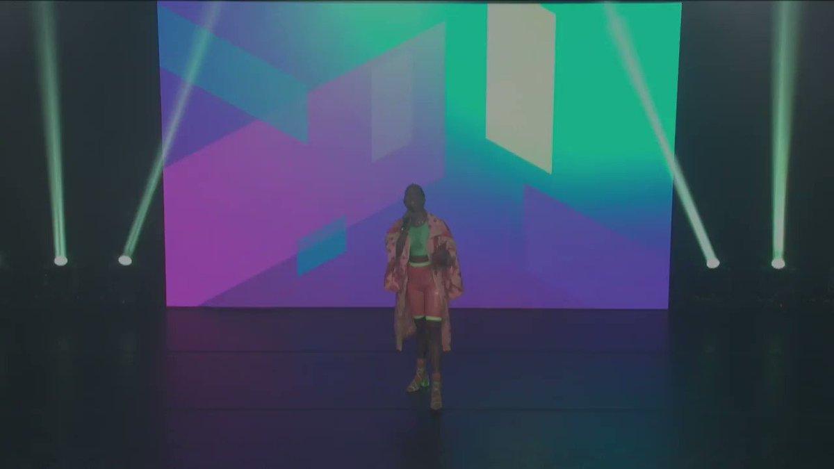 O primeiro reality de dança de favela do país tá no ar, bbs! 💥 Bora conhecer os participantes? ✌️  #DanceOffNoMultishow tá AO VIVO no Música Multishow!  #DanceOffGameXP @lelleoficial @GameXPoficial