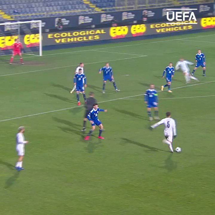 The assist 😎 The finish 🤩  🇮🇹 Domenico Berardi ⚽️  #NationsLeague | @azzurri