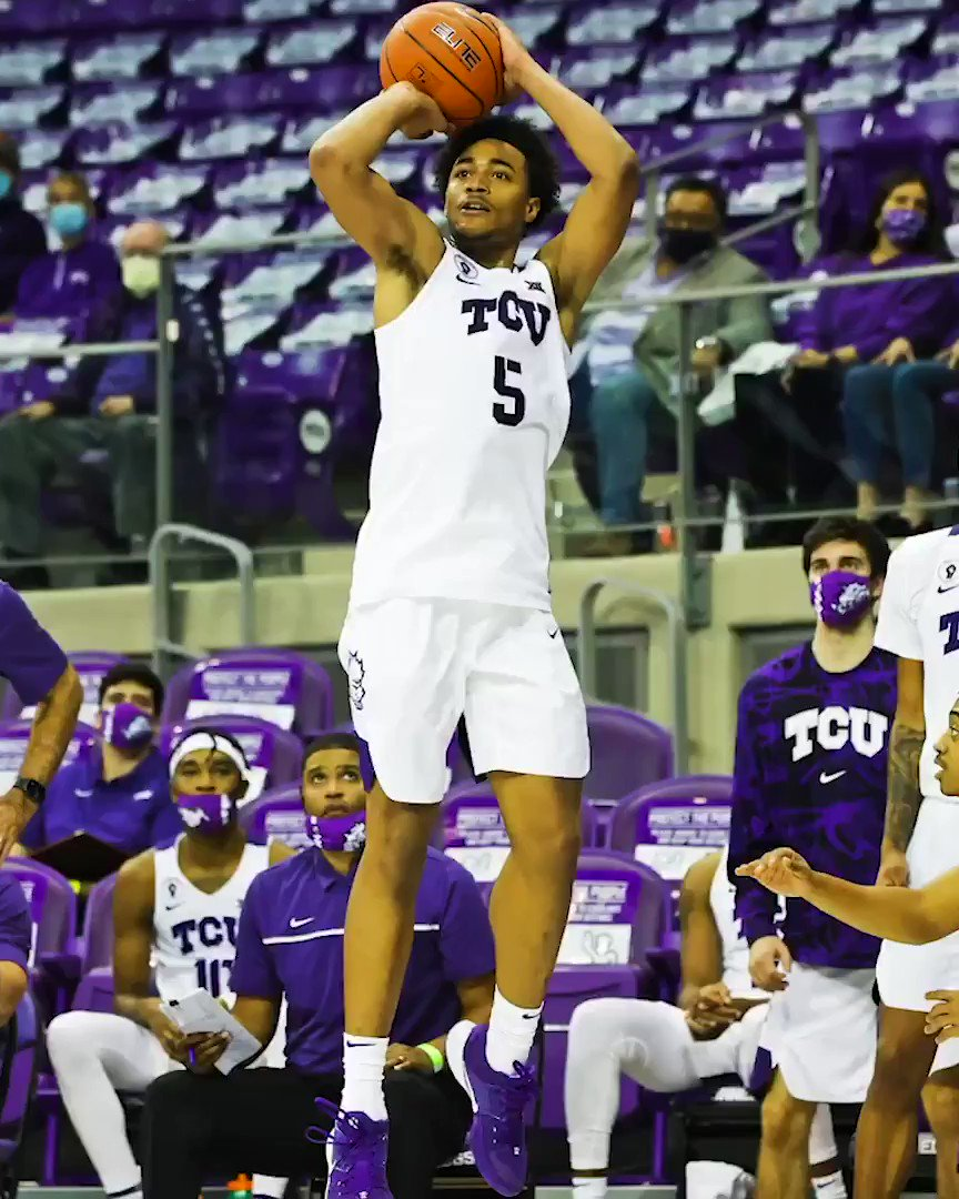 Two new career highs in the first game for @mrobannon5 👀   1️⃣1️⃣ points  9️⃣ rebounds  #GoFrogs 😈 https://t.co/inFlmAsnDx