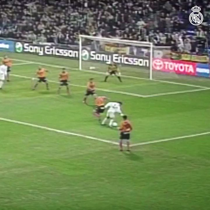 🔥 Brilliant header by @GUTY14HAZ! 🆚 @Alaveseng 🗓 2001/02 🏆 @LaLigaEN @futbolmahou | #TheTasteThatUnitesUs