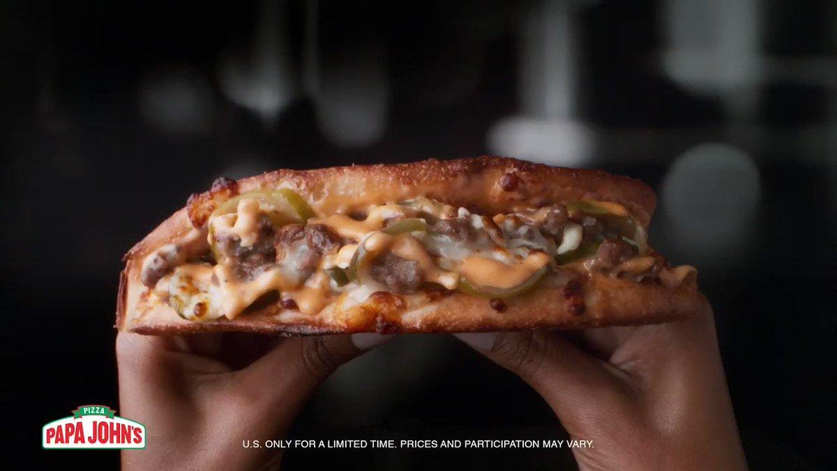 🍔 meets  🍕… meets 👄  The New Double Cheeseburger Papadia. https://t.co/Gmqy7uuzg1