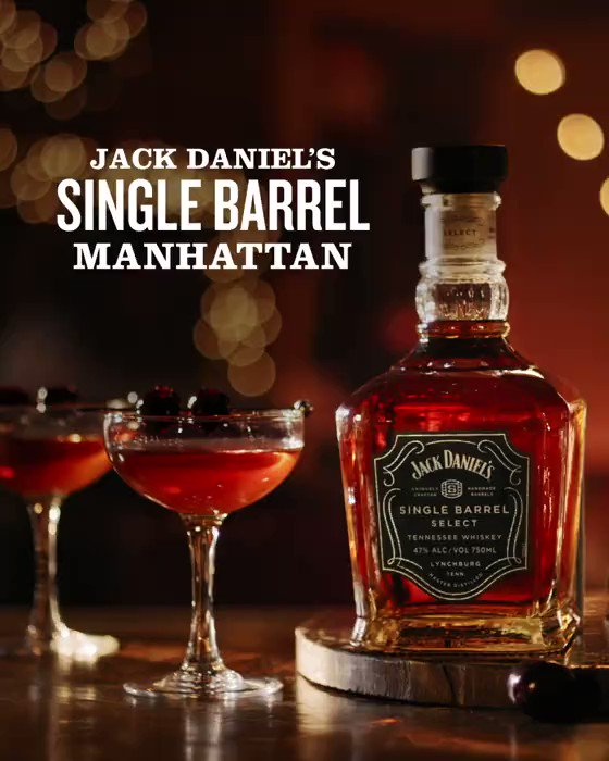 Image for the Tweet beginning: This holiday Manhattan took a