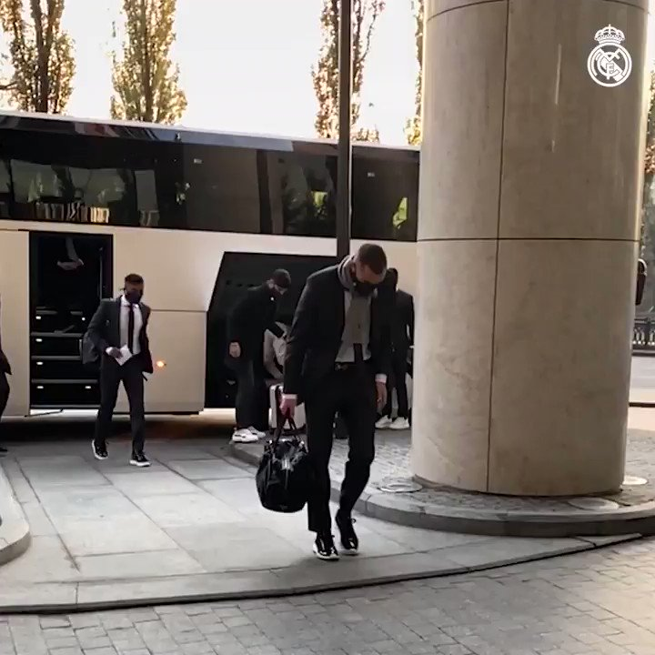 🏢🚌 Checking in at the team hotel earlier this afternoon! #RMUCL | #HalaMadrid