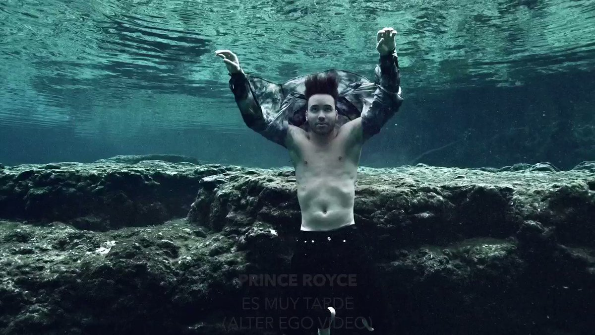 """.@princeroyce nos invita a una fantasía debajo del mar en su 'Alter Ego' video de """"Es Muy Tarde"""" 🔱 ⠀⠀⠀⠀⠀⠀⠀⠀⠀ ▶️"""