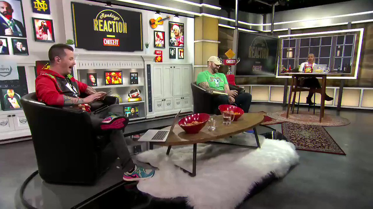 """""""This is how you get LeBron James to tweet about the team ... by doing wild reckless stuff."""" 🤣  @itsthebaldgirl,@mikegolicjrand@jasonfitz go through this week's Crunch Time Moments:"""