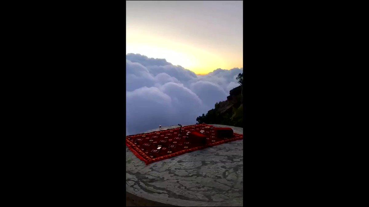 A dazzling view of clouds was seen in Saudi Arabia's mountainous Abha region https://t.co/M1rNbLeaGM