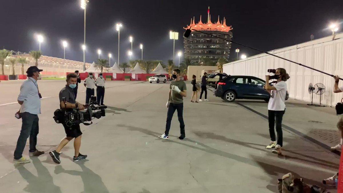 It's great to see you, @RGrosjean 👋  #SakhirGP 🇧🇭 #F1