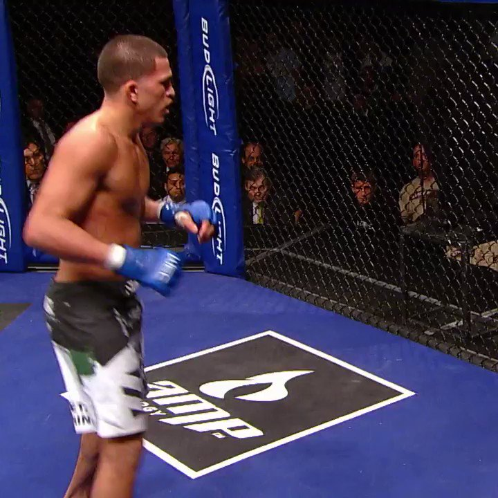 He straight-up LEVITATED 😱  #OnThisDay ten years ago, @ShowtimePettis did the unthinkable!   [ #UFCVegas17 | Saturday on #ESPNPlus ] https://t.co/2nAfHvsi98