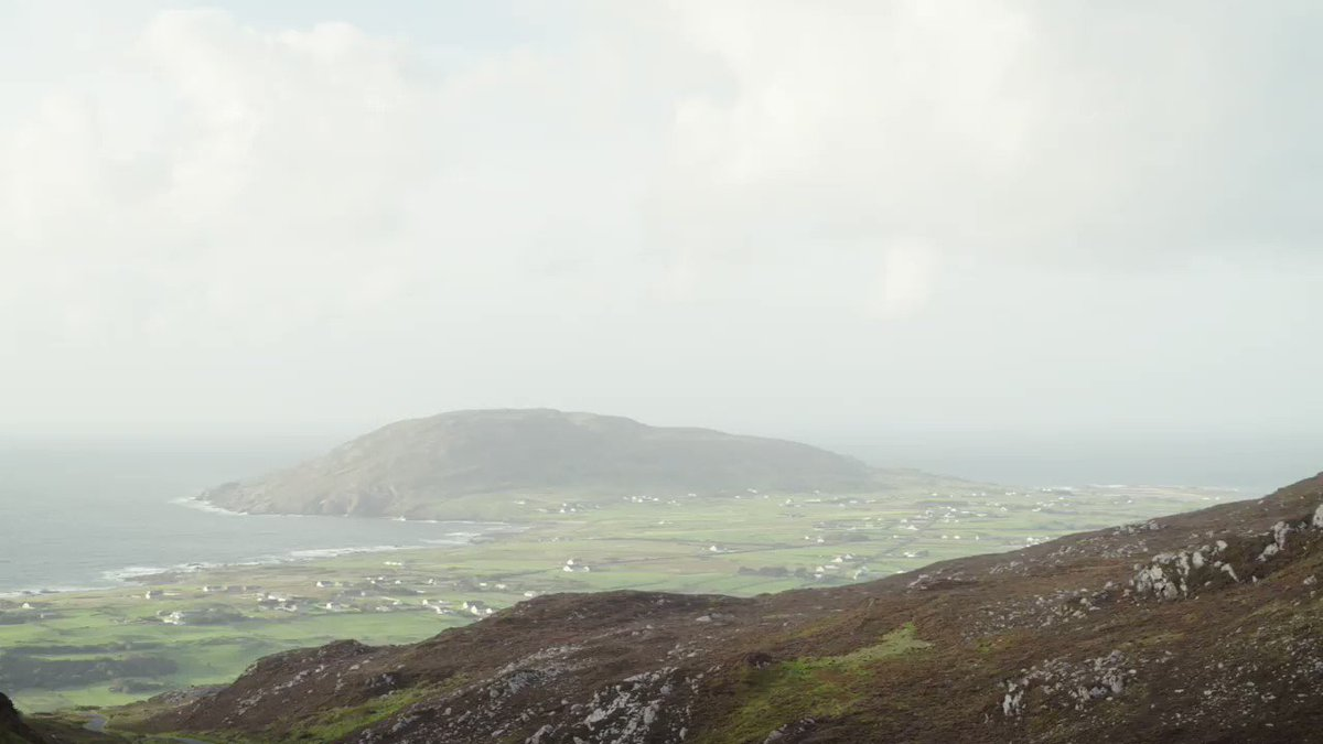 .@jeliofthebirds sings Haze of the Hill at Mamore Gap, Donegal. #IrelandInMusic. The journey starts 8pm, Tuesday December 29th, @RTEOne. @TempleBarTrad