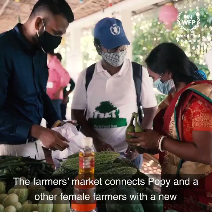 This is a farmer's market in Cox's Bazar, Bangladesh, where local farmers sell fresh produce to #Rohingya refugees. 🥒🥬🍐  The customers live in the biggest refugee camp in the world.  📽️Poppy Barua has a stall here. Watch her full story: