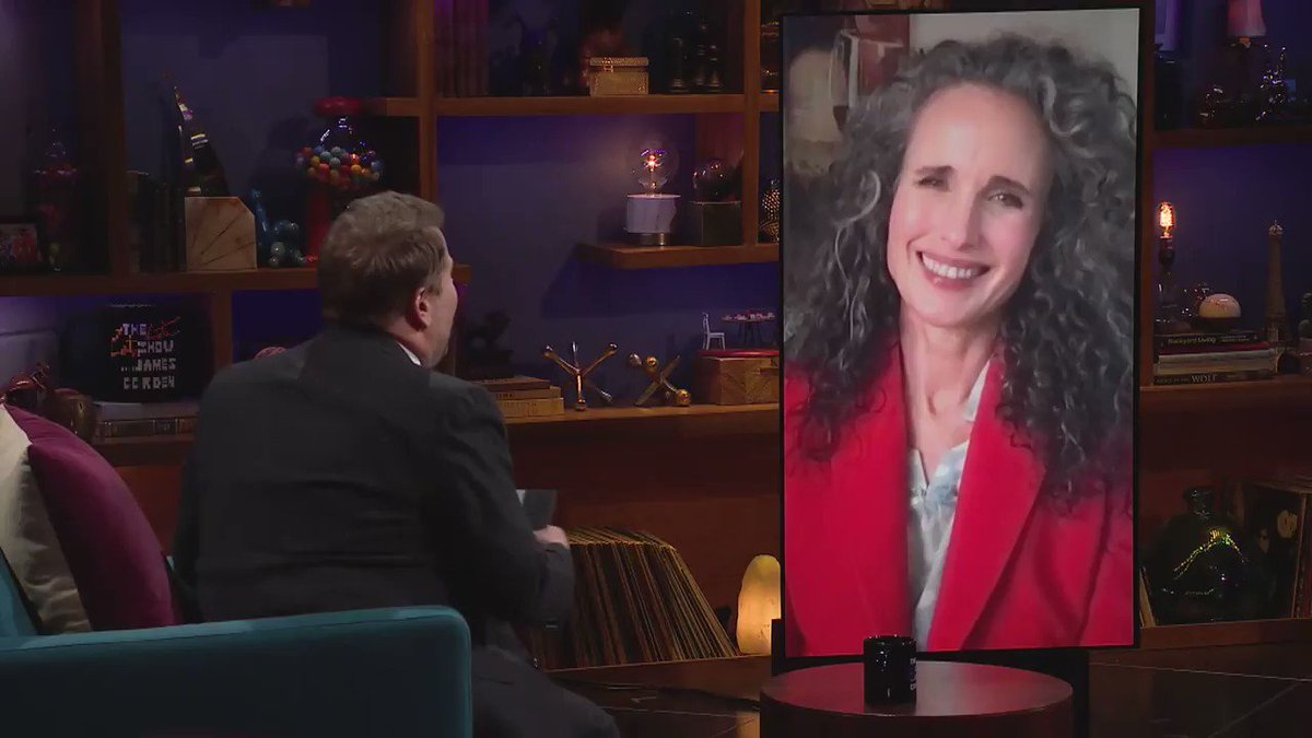 Andie MacDowell's look is a triumph!